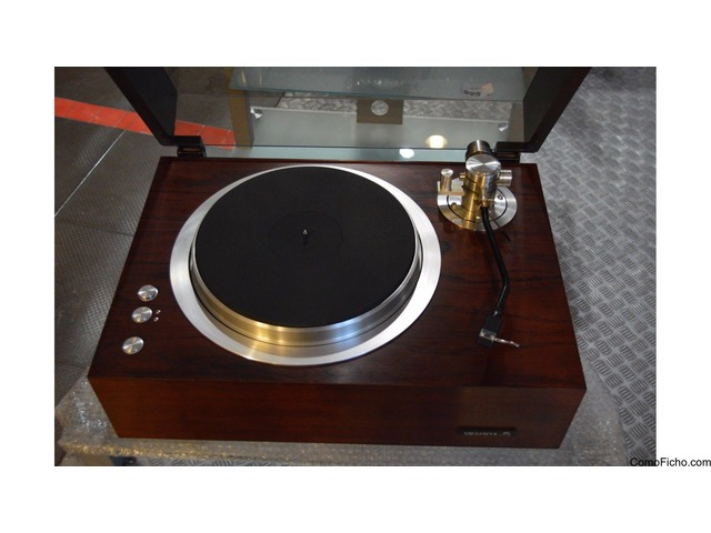 Pioneer Exclusive P3 Turntable