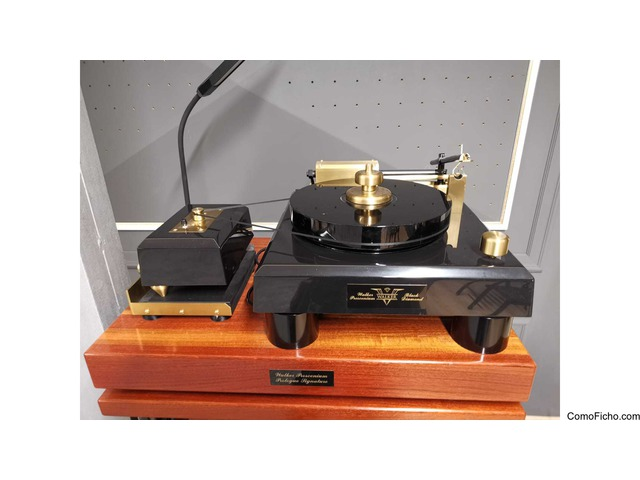 Walker Audio The Proscenium Black Diamond V Turntable + Rack
