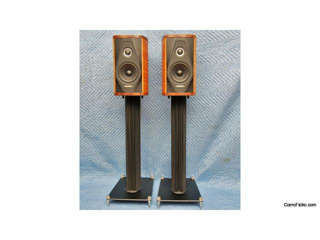 Sonus Faber Olympica I speakers in Walnut with Stands