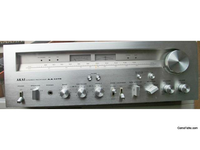Receptor Akai AA 1175 (AM / FM) Año 1978