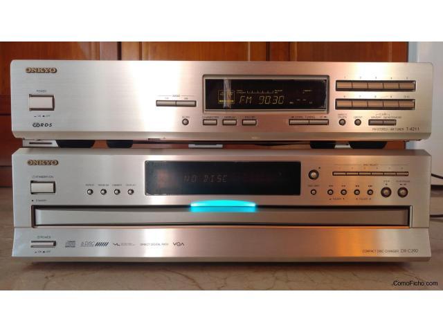 Lector de 6 CDs ONKYO DX-C390 y tuner radio sintonizador ONKYO T-4211