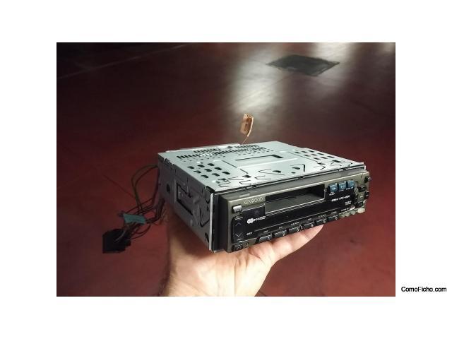 Autorradio KENWOOD y cambiador de CDs