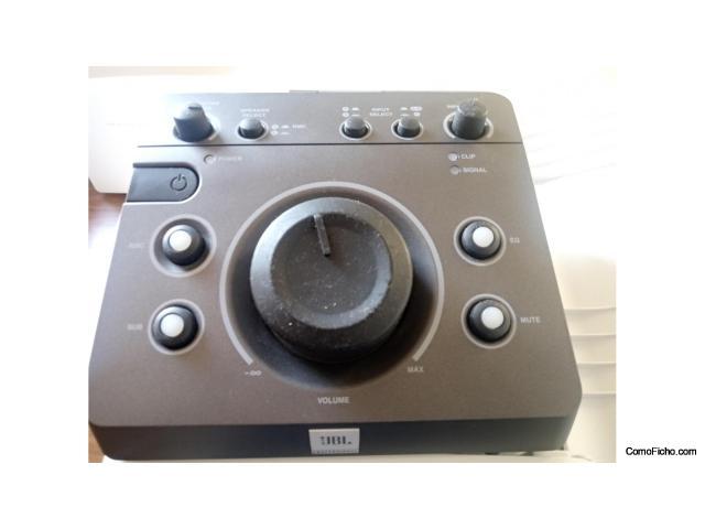 Controlador de monitores de estudio JBL MSC1.