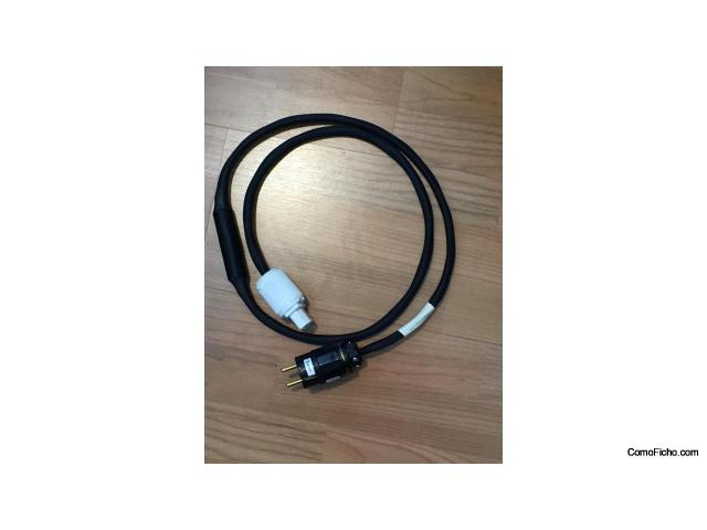 Cable RED The Chord Company SARUM Super Aray.