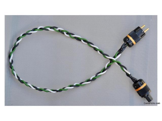 VENDIDO! - Cable de red Oyaide Tunami, 115 cms., trenzado