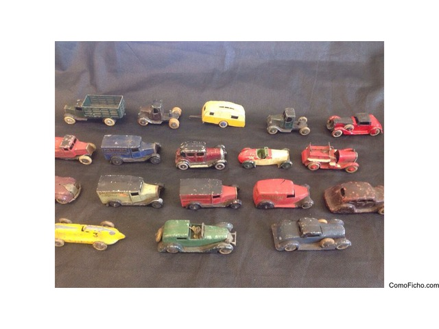 Lot of 17 vintage collection jouets dinky tootsie