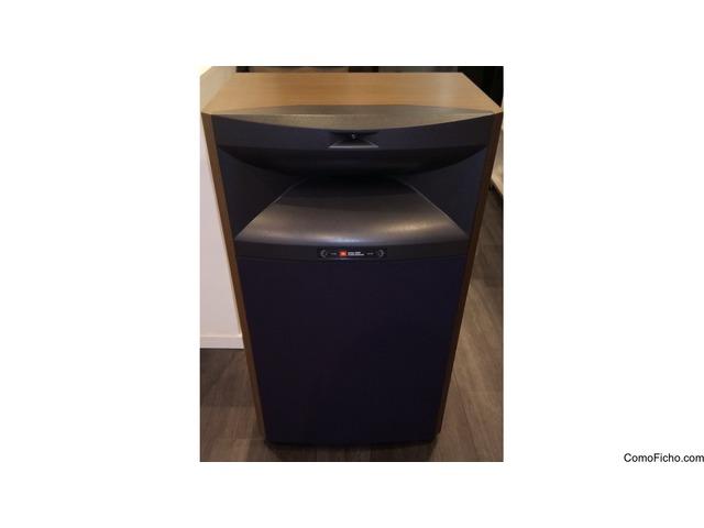 Selling a pair of JBL 4365 speakers