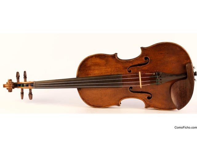Viejo violín Antonio Testore 1741